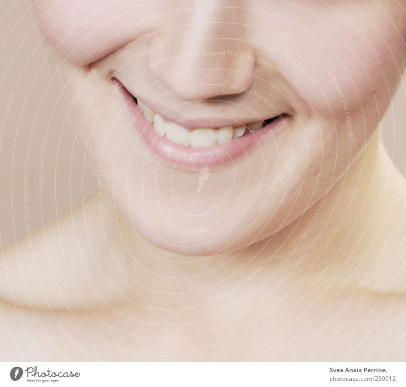 smile the M. Feminine Woman Adults Skin 1 Human being 18 - 30 years Youth (Young adults) To enjoy Smiling Illuminate Authentic Exceptional Friendliness
