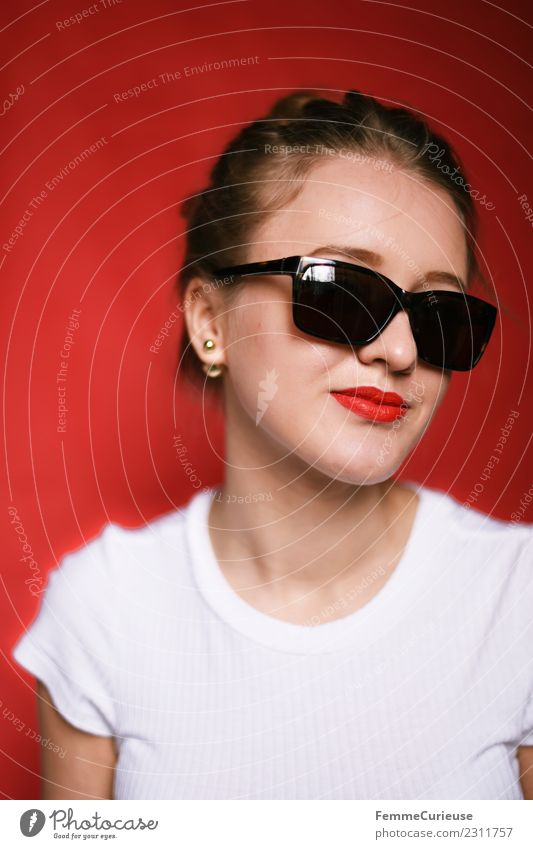 Girl posing with sunglasses Feminine Young woman Youth (Young adults) Woman Adults 1 Human being 18 - 30 years Beautiful Cool (slang) Sunglasses Lipstick Red