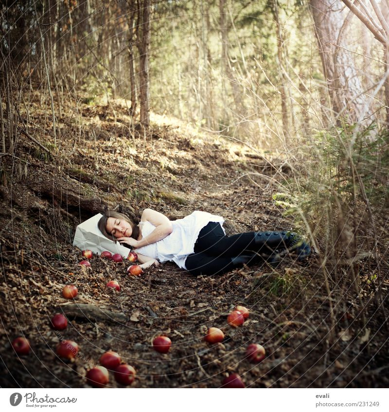 Woman Human being Youth (Young adults) Green White Tree Red Adults Forest Yellow Feminine Dream Sleep Bushes 18 - 30 years Apple
