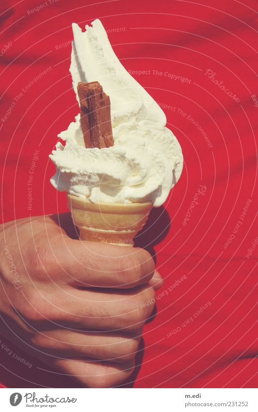 Human being Hand Red Masculine Fingers Ice cream To hold on Carrying Food Dairy Products Ice-cream cone Soft ice cream