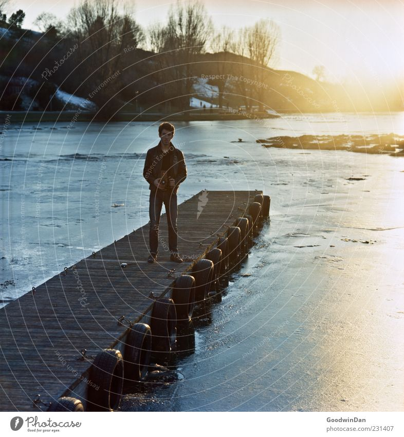Oliver. Human being Masculine Young man Youth (Young adults) Man Adults 1 Environment Nature Winter Weather Beautiful weather Ice Frost Park Footbridge