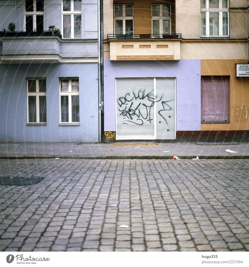 Blue City Red House (Residential Structure) Street Graffiti Stone Facade Closed Living or residing Berlin Sidewalk Balcony Store premises Traffic infrastructure