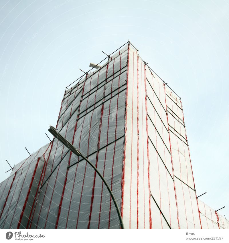 Sky Perspective Safety Tower Construction site Protection Lantern Street lighting Symmetry Covers (Construction) Scaffold Scaffolding Collateralization Building