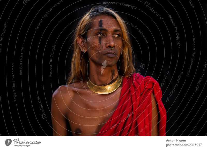 Tamil tiger Human being Androgynous Head 1 30 - 45 years Adults Accessory Jewellery Bow tie Long-haired Honor Self-confident Willpower Passion Tamiles Indian