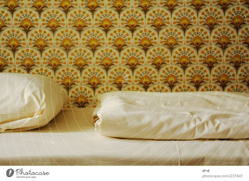 Old Style Orange Brown Bed Retro Hotel Wallpaper Bedclothes GDR Sixties Seventies Cushion Sheet Duvet Old fashioned