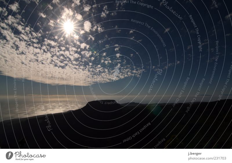 Sky Nature Blue Sun Ocean Summer Clouds Far-off places Landscape Horizon Rock Elements Lens flare Canaries Clouds in the sky Gomera
