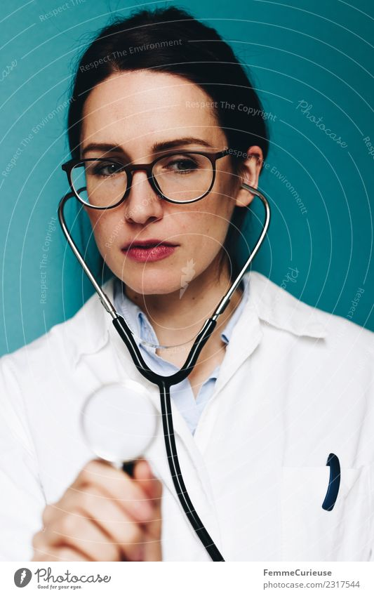 Female doctor with stethoscope Work and employment Profession Doctor Feminine Young woman Youth (Young adults) Woman Adults 1 Human being 18 - 30 years