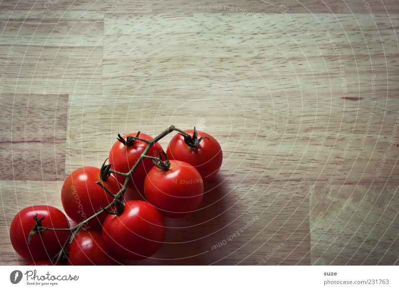 Family Heinz Food Vegetable Nutrition Organic produce Vegetarian diet Healthy Eating Delicious Round Brown Red Tomato Kitchen Table Bush tomato Food photograph