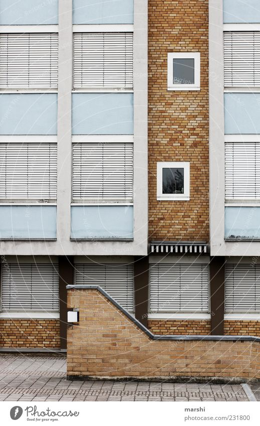 House (Residential Structure) Window Wall (building) Architecture Lanes & trails Wall (barrier) Brown Facade Closed Gloomy Factory Venetian blinds Roller shutter Building Brick wall Glazed facade