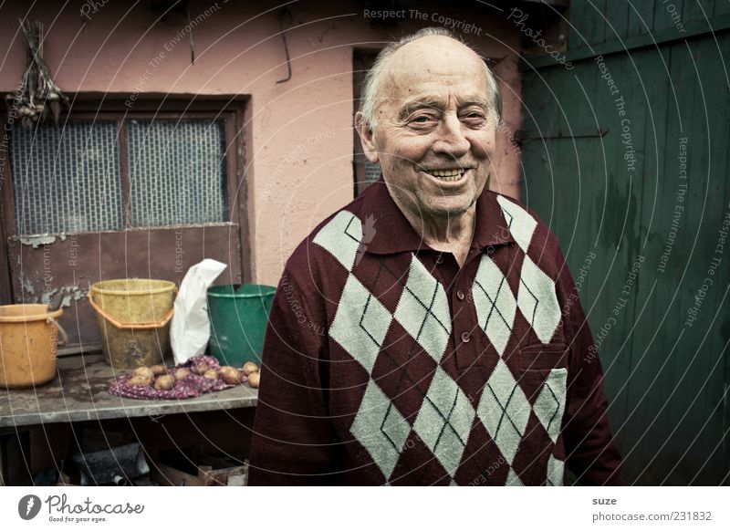 Human being Man Old Senior citizen Happy Garden Laughter Contentment Masculine Authentic Friendliness Smiling 60 years and older Grandfather Retirement Male senior