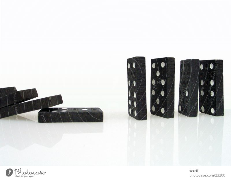 domino Domino Arrange Playing Parlor games Empty Chaos Destruction Vertical Tumble down Things Eyes Row To fall Gap