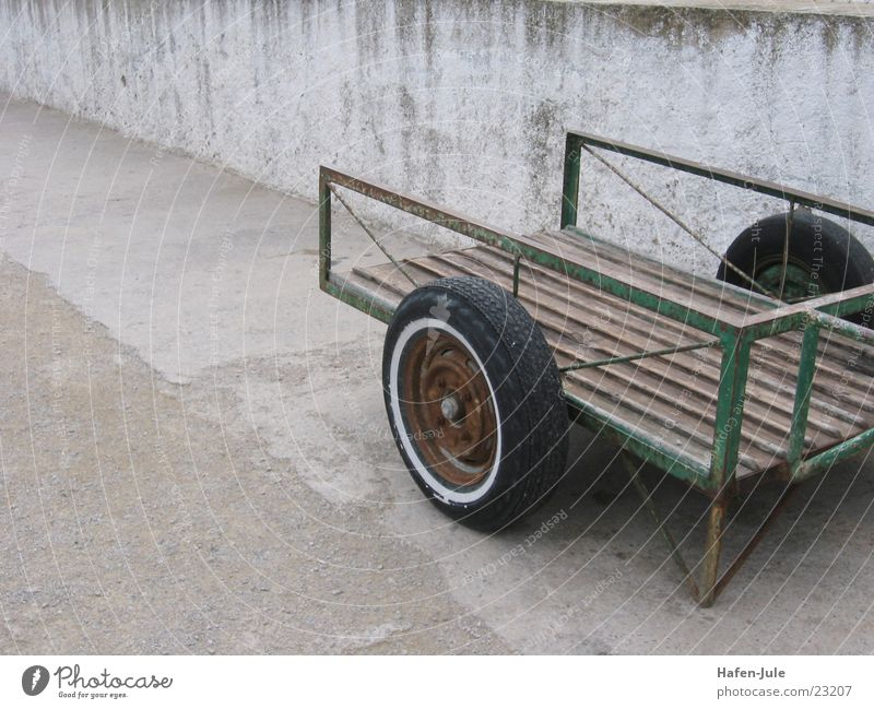 the Spanish cart Cart Green Concrete Obscure Old