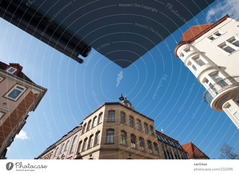 Göttingen Corners I Cloudless sky Beautiful weather Downtown Old town House (Residential Structure) Wall (barrier) Wall (building) Facade Window Esthetic