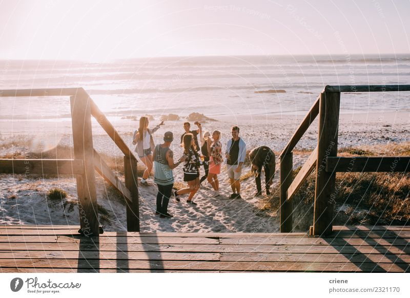 Hipster friends cheering and dancing at beach party Beverage Drinking Alcoholic drinks Beer Joy Happy Leisure and hobbies Vacation & Travel Freedom Summer Beach