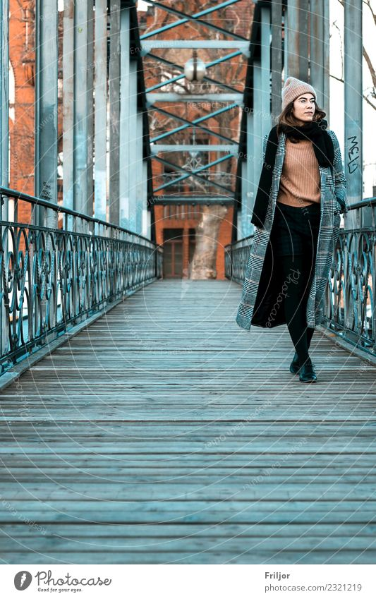 Frosty Berlin I Lifestyle Feminine Young woman Youth (Young adults) Woman Adults 1 Human being 18 - 30 years Capital city Bridge Clothing Coat Brunette