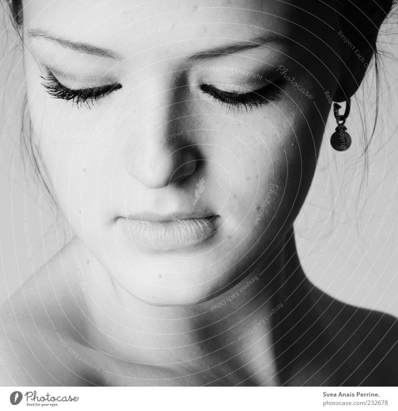 the girl with the pearl earring. Elegant Style Beautiful Feminine Young woman Youth (Young adults) Woman Adults Skin Face Eyes Ear 1 Human being 18 - 30 years