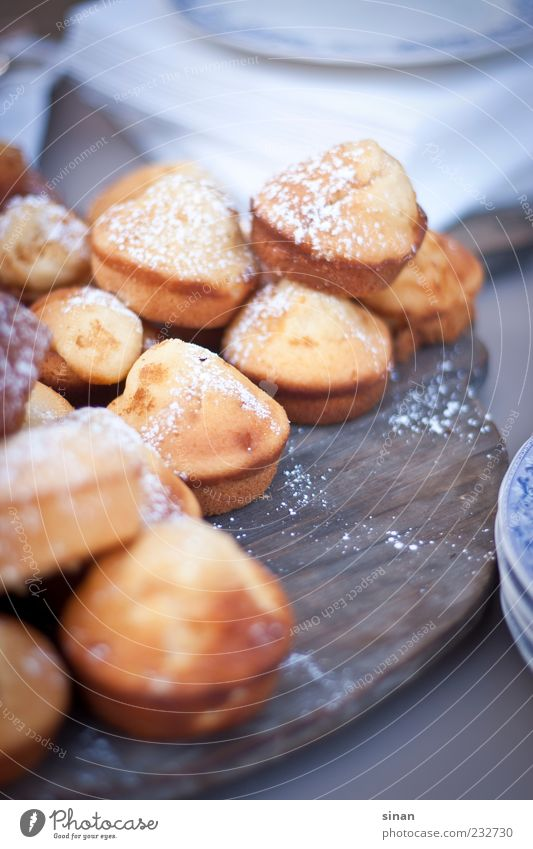 Food Bright Esthetic Sweet Round Cute Cooking & Baking Cake Candy Delicious Fragrance Wooden board Baked goods Sense of taste To have a coffee Confectioner`s sugar