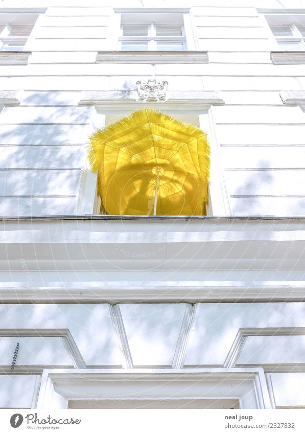balcony Vacation & Travel Flat (apartment) Town Old building Facade Window Sunshade Illuminate Simple Cheap Yellow Serene Loneliness Relaxation