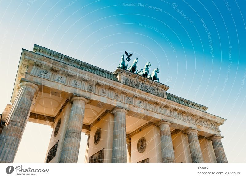 Brandenburg Gate Vacation & Travel Berlin Town Capital city Skyline Tourist Attraction Landmark Monument Germany City Colour photo Exterior shot Deserted