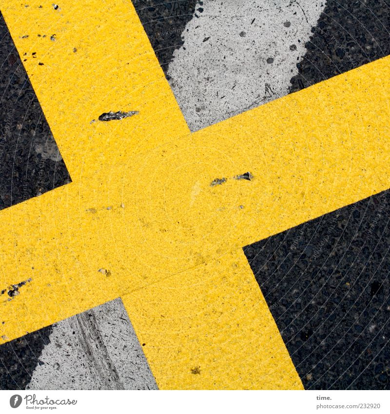 Yellow Street Stone Background picture Signs and labeling Planning Floor covering Ground Stripe Asphalt Sign Warning label Crucifix Traffic infrastructure Diagonal Patch