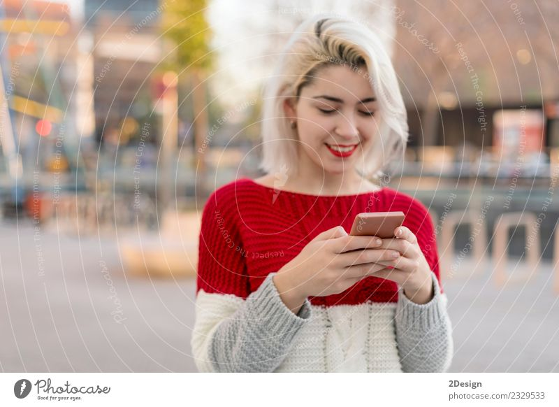 Woman sending a message Human being Youth (Young adults) Young woman Beautiful Joy Black Adults Lifestyle Feminine Happy Business 13 - 18 years Modern