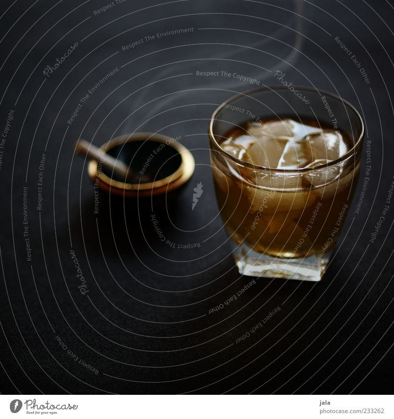 Glass Beverage Good To enjoy Cigarette Alcoholic drinks Addiction Ashtray Food Nutrition Ice cube Whiskey Cigarette smoke Whiskey glass