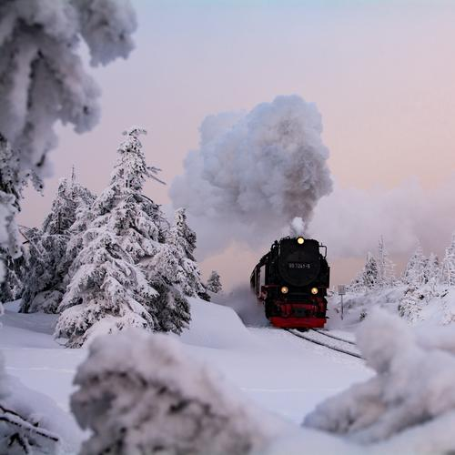chunks/resin Vacation & Travel Tourism Trip Adventure Sightseeing Winter Snow Winter vacation Mountain Hiking Nature Landscape Ice Frost Brocken Snowcapped peak