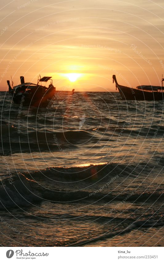 sunrise on koh phi phi Nature Water Sky Sunrise Sunset Ocean Navigation Fishing boat Emotions Contentment Vacation & Travel Colour photo Deserted Copy Space top