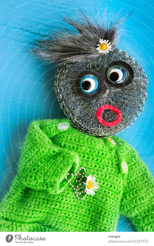 creative| pot scratcher as a flower child Leisure and hobbies Handicraft Human being Masculine Feminine Androgynous Child Toddler Girl Boy (child) Eyes Mouth 1