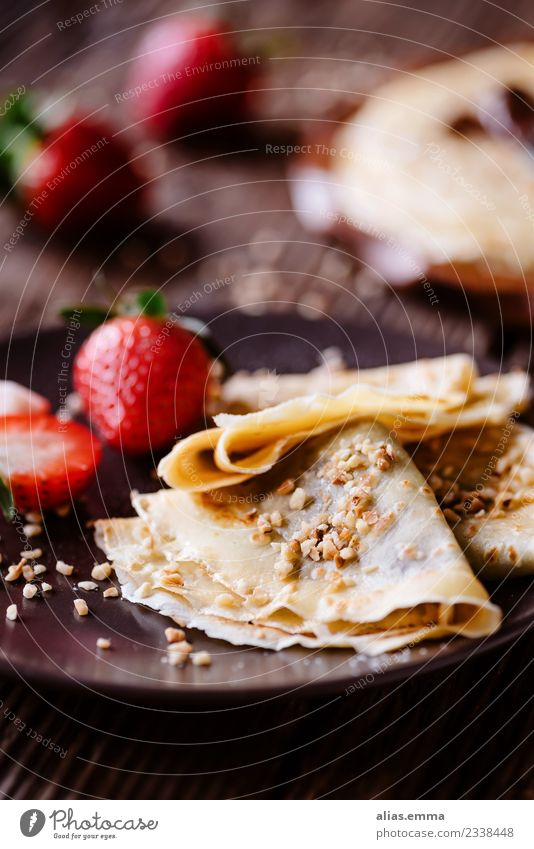 Crepes with chocolate cream and strawberries Crêpe Pancake Pancake Rocks Chocolate Nut spread Food Healthy Eating Dish Food photograph Dessert Snack Sweet Fruit