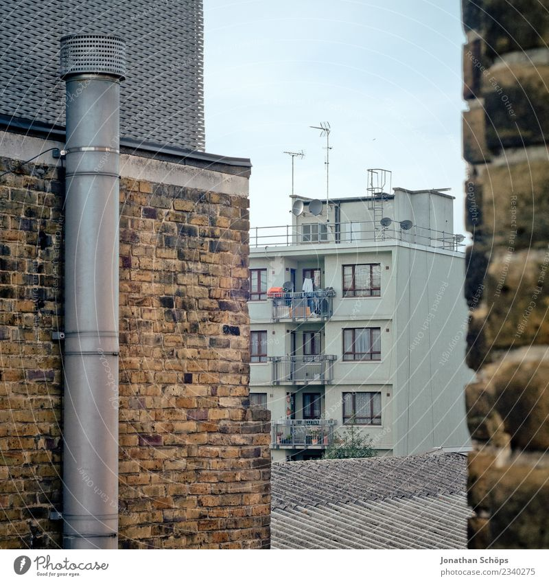 Town House (Residential Structure) Architecture Wall (building) Building Wall (barrier) Facade Living or residing Tall Manmade structures Capital city
