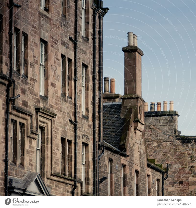 House facade with chimneys on the Royal Mile in Edinburgh Town Capital city Downtown Old town Pedestrian precinct Populated House (Residential Structure) Facade