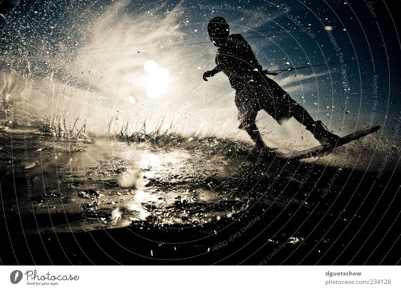 Man Joy Adults Sports Leisure and hobbies Masculine Lifestyle Athletic Pull Aquatics Human being Splash of water