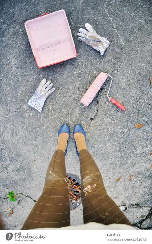 Woman Colour Legs Pink Work and employment Dirty Power Painting (action, work) Redecorate High heels Emancipation To wallpaper Work gloves