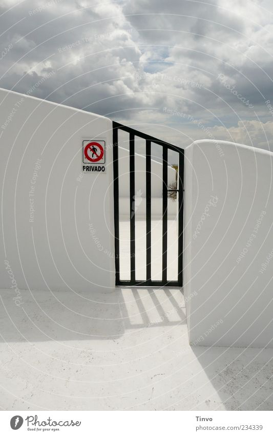 Private Kingdom of Heaven Clouds Beautiful weather Gate Architecture Wall (barrier) Wall (building) Red Black White Signs and labeling Private way Lanzarote