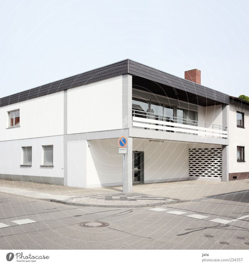 Sky House (Residential Structure) Street Architecture Building Facade Signs and labeling Modern Gloomy Manmade structures Sidewalk Balcony Sharp-edged