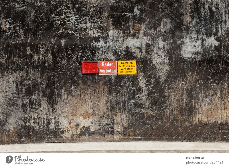 Old Red Black Yellow Wall (building) Wall (barrier) Stone Line Brown Ice Facade Dirty Signs and labeling Concrete Dangerous Characters