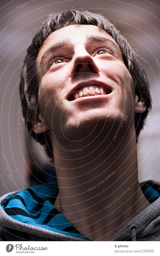 shining glory Human being Masculine Young man Youth (Young adults) Man Adults Head 1 18 - 30 years Glittering Smiling Laughter Illuminate Looking Esthetic