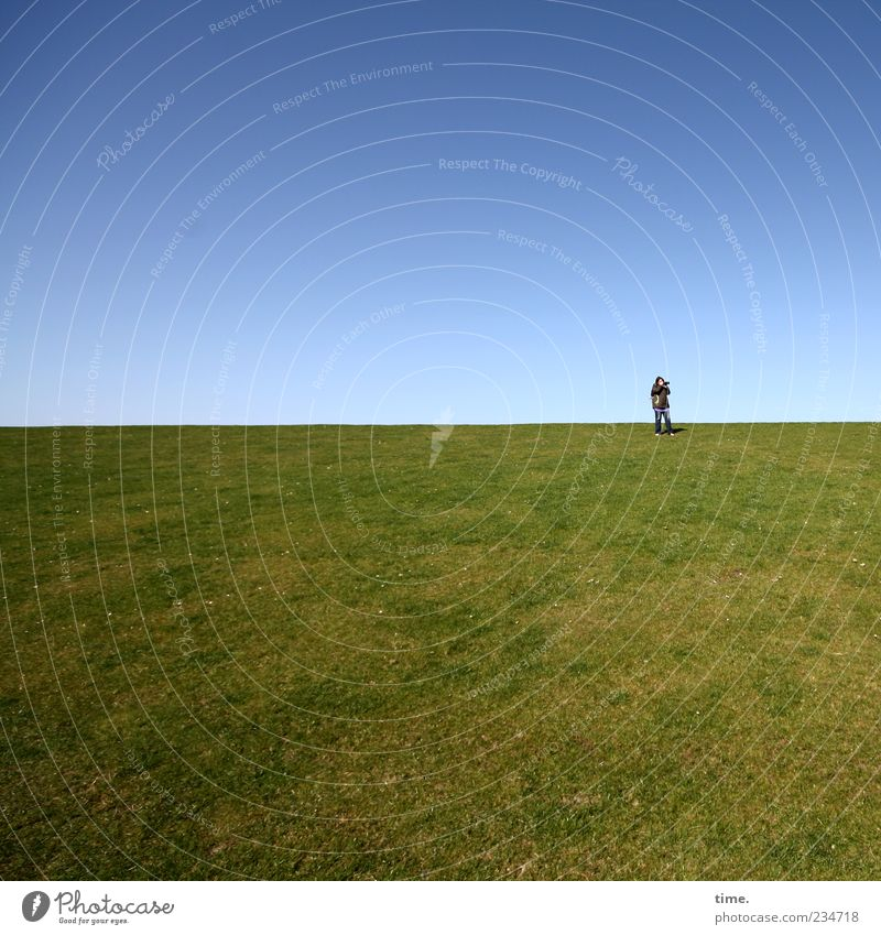 Human being Sky Blue Green Far-off places Meadow Grass Horizon Stand Beautiful weather To enjoy Cloudless sky Blue sky Perspective