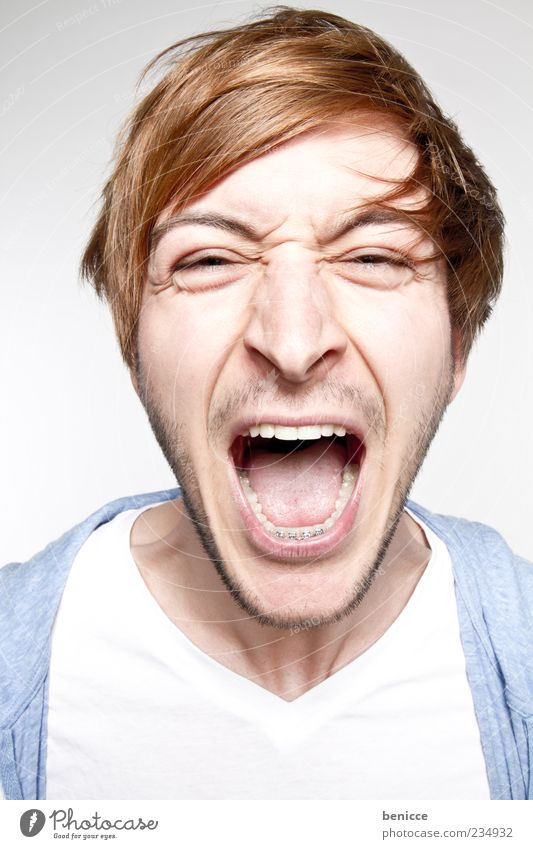 Human being Man Youth (Young adults) Blue White Blonde Teeth Anger Scream Aggression Aggravation Mouth Loud Part Designer stubble Face