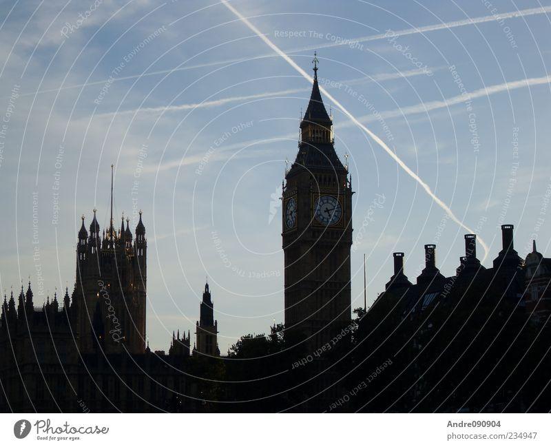 Sky Old Architecture Elegant Clock Church Europe Manmade structures Beautiful weather Clock face Skyline Landmark London Downtown Capital city