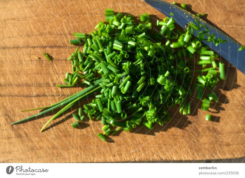 chives Food Herbs and spices Nutrition Lifestyle Healthy Chopping board Cut Chives Vitamin Knives Multicoloured Exterior shot Close-up Day Bird's-eye view Green