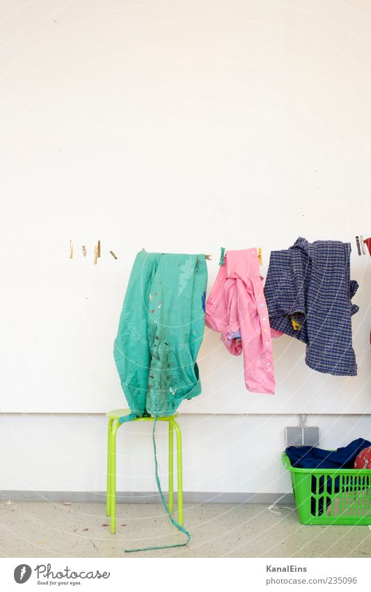 Wash the laundry. Living or residing Clothing Workwear Protective clothing Shirt Hang Cleaning Hip & trendy Dry Multicoloured Green Pink Happiness Cleanliness