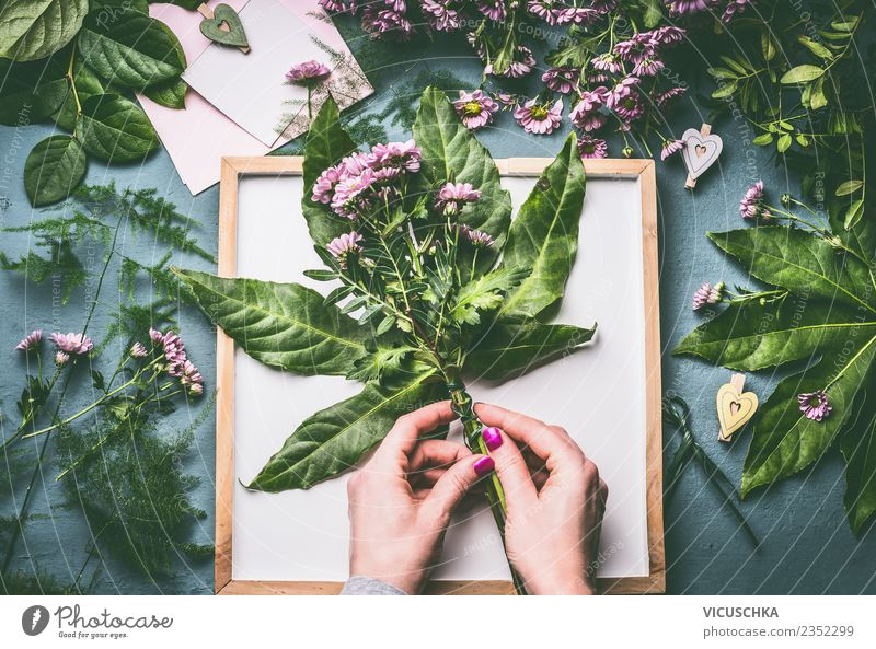 Green Hand Flower Leaf Feminine Style Work and employment Design Decoration Table Bouquet Store premises Florist