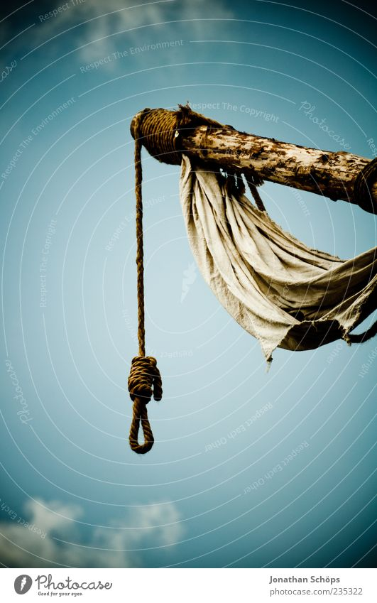 Death awaits you Wood Hang Creepy Hope Fear Horror Fear of death Distress Frustration Embitterment Hatred Apocalyptic sentiment Moral Transience Gallows Rope