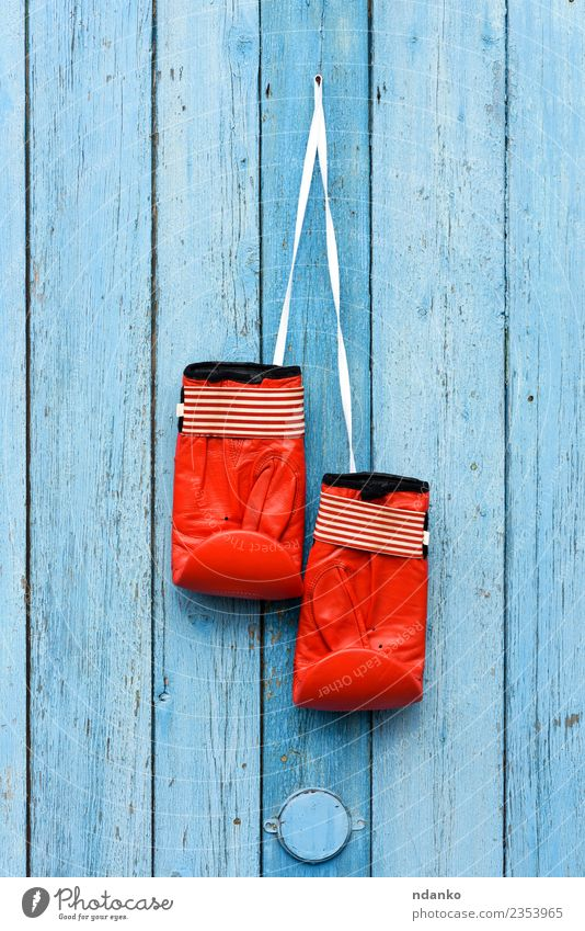red leather boxing gloves Sports Success Leather Gloves Wood Old Hang Retro Blue Red Power Idea Protection Boxing Bangle Hanging pair door equipment vintage