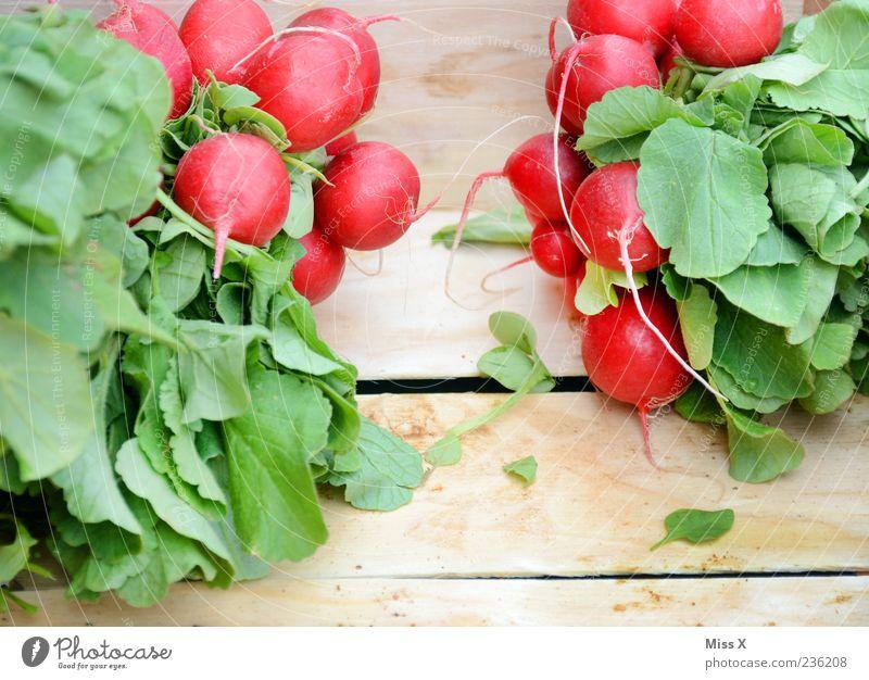 Red Nutrition Food Wood Fresh Round Vegetable Delicious Organic produce Vegetarian diet Radish Wooden box Radish