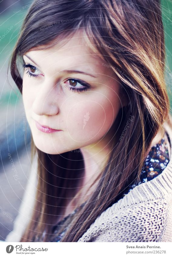 light song. Feminine Young woman Youth (Young adults) 1 Human being 18 - 30 years Adults Cardigan Hair and hairstyles Long-haired Natural Meditative