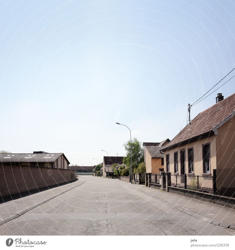 City Loneliness House (Residential Structure) Street Wall (building) Lanes & trails Wall (barrier) Building Gloomy Manmade structures Village Town Outskirts