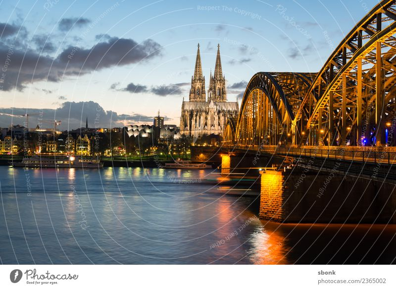Cologne Skyline Dome Tourist Attraction Landmark Vacation & Travel Germany City cityscape Rhine Exterior shot Copy Space top Evening